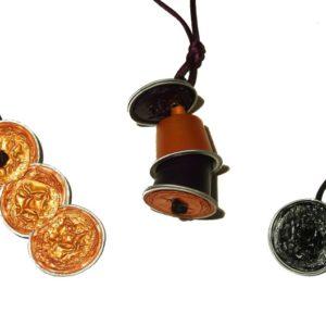 Trois pendentifs